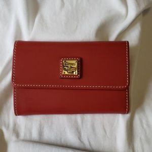 NWOT Dooney & Bourke wallet